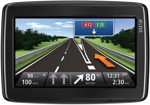 TomTom GO LIVE 825 GPS Device