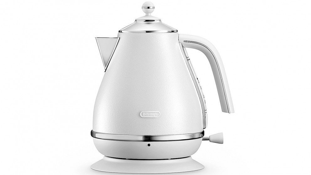 DeLonghi Distinta White Kettle