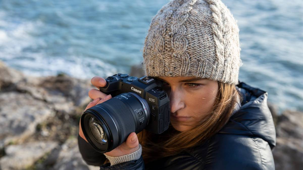 Can the Canon EOS RP compete with expensive rivals